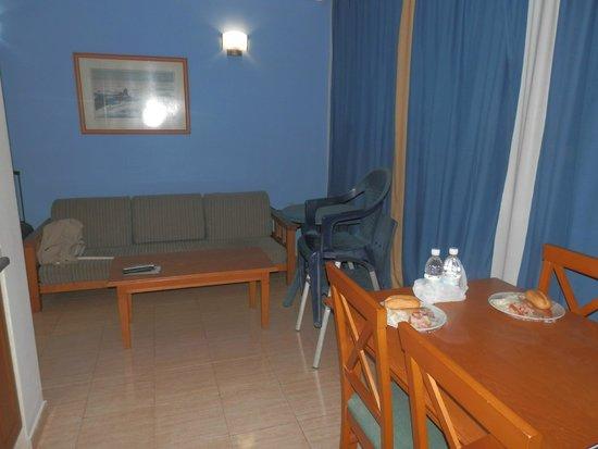 Rubimar Suite ApartHotel: cocina-comedor