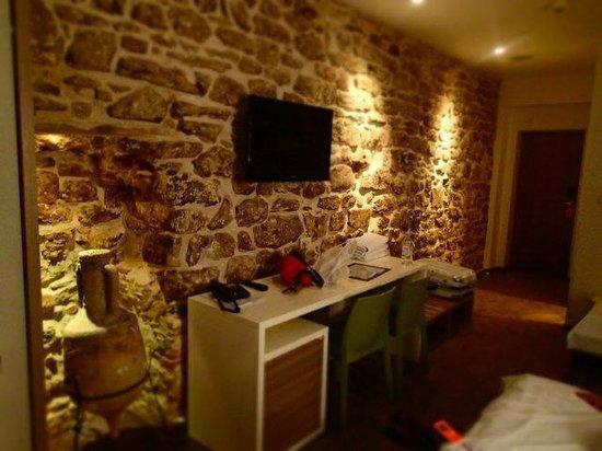 Hotel Slavija : stylish designed room