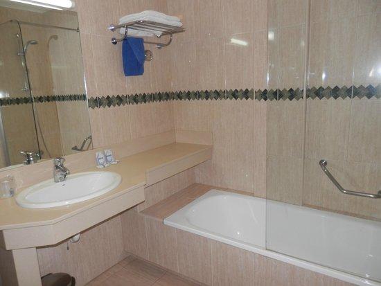 Rubimar Suite ApartHotel: baño