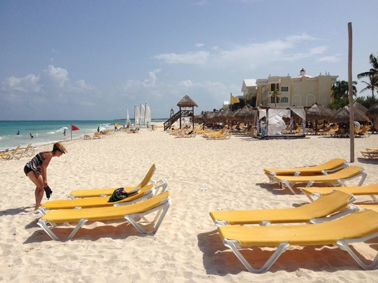 Iberostar Paraiso Maya: Vista playa hotel.