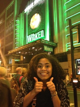 Wicked the Musical : Teenager gives two thumbs way up!