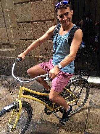 Fat Tire Bike Tours Barcelona: Chilling in a sick bike