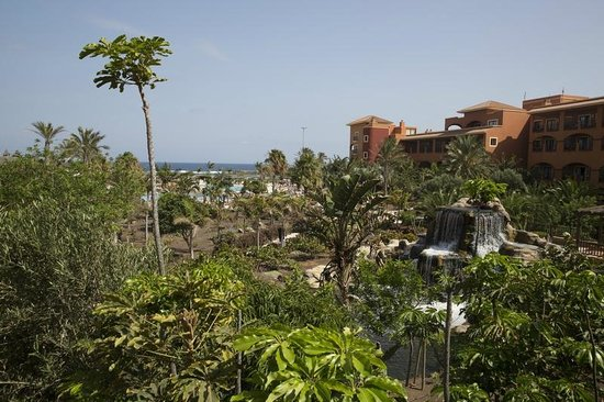 Sheraton Fuerteventura Beach, Golf & Spa Resort : Vue depuis la terrasse principale