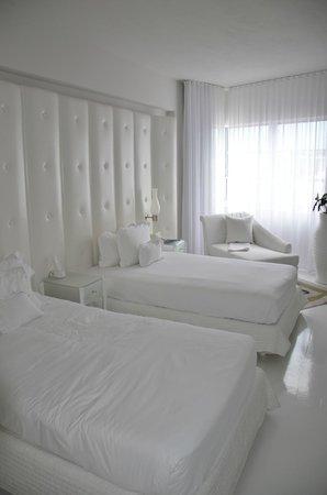 Delano South Beach Hotel: Camera All White