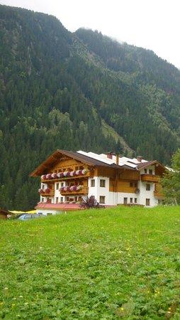 Hotel Bergcristall: Vue de côté
