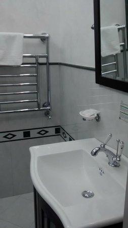 Il Salotto di Firenze : Calienta toallas