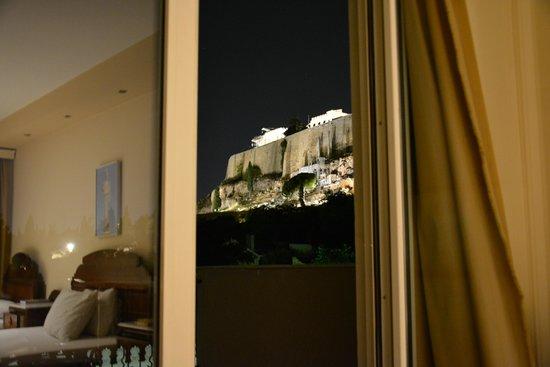 Byron Hotel: widok z pokoju na Akropol
