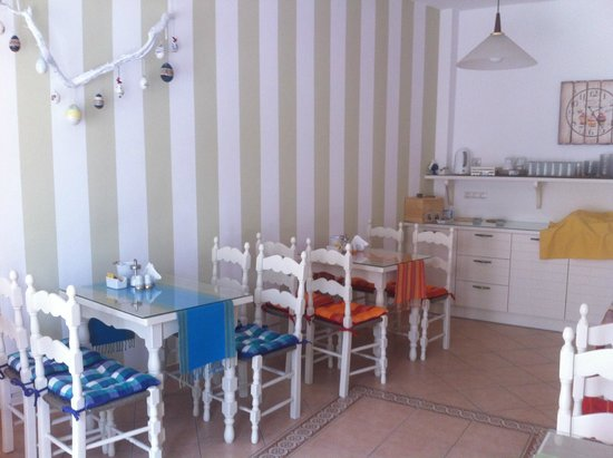 Cyclades Hotel and Studios: espace petit déjeuner