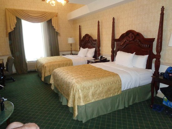 Ayres Hotel Anaheim: Very large rooms