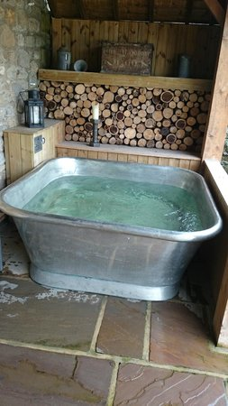 The Morritt Country House Hotel: Hot Tub at the Greta Spa