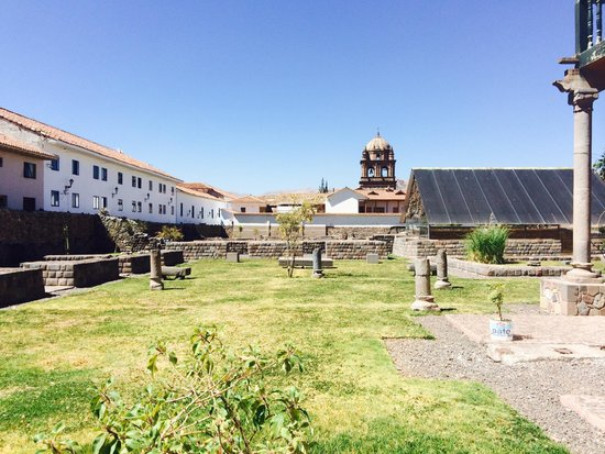 San Agustin International Hotel: Nearby ruins (next door)