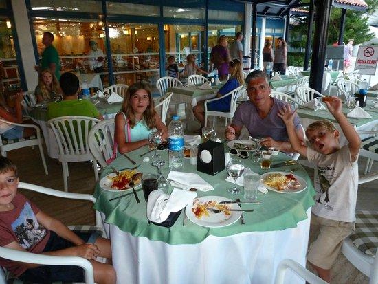 Sunrise Park Resort and Spa: restaurant