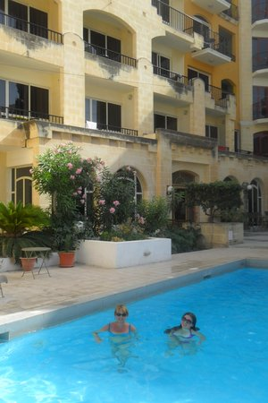 Il Palazzin Hotel: The pool