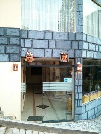 Ccapac Inka Ollanta : Entrance to Lobby