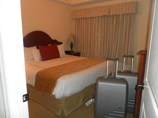 The Point Hotel & Suites: Bedroom