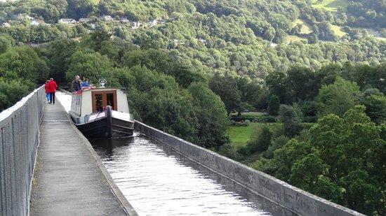Pontcysyllte Aqueduct: from the top