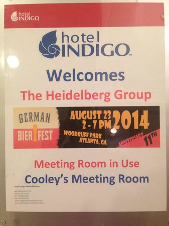 Hotel Indigo Atlanta: Welcome greeting