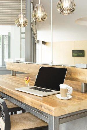 Best Western Plus Epping Forest: IT Workbench in Reception