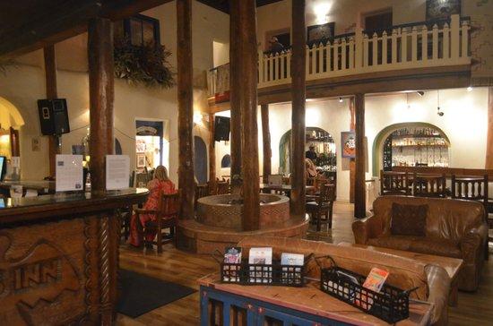 Doc Martin's Restaurant: zona musica taos inn