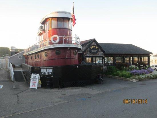 Tugboat Inn Restaurant: exterior