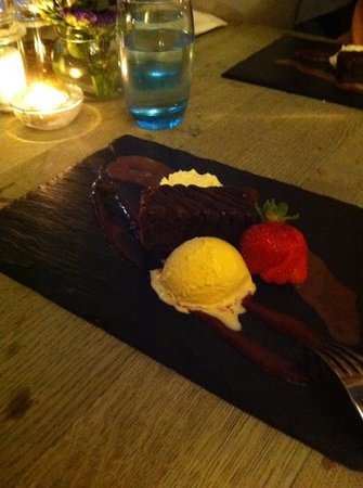 The George Hotel Cranbrook Bar & Brasserie: Brownies