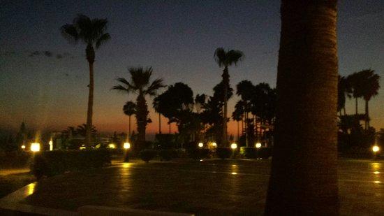 SENTIDO Cypria Bay: S' avonds een hele mooie lucht daar!