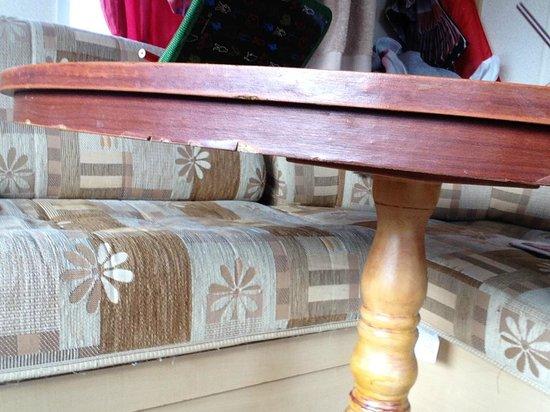 Ashcroft Coast Holiday Park: Damaged Table