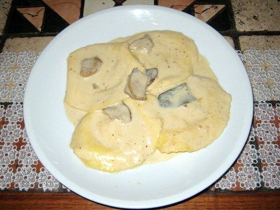 Antica Osteria: I casoncelli con panna e porcini