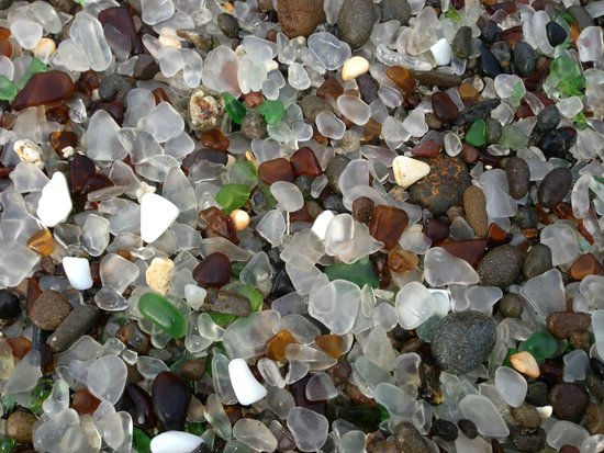 Glass Beach: Random closeup when you get to the good part of the beach.
