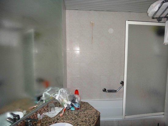 Belair Beach Hotel : ванная комната
