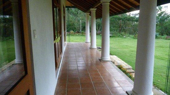 Jungle Tide: The lovely verandah