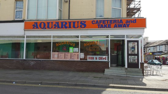 Aquarius Cafetaria & Take Away: Top place for tradition Hot chips and beans, absolutley delicious