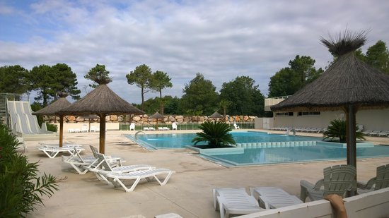 Camping Les Pins: Pool area