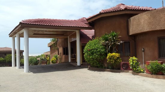 Afia Beach Hotel: Hotel Entrance