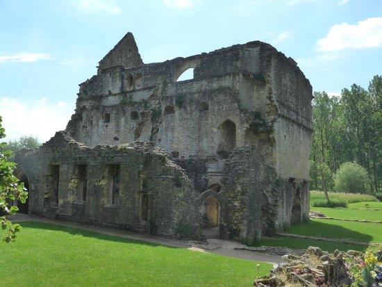 Minster Lovell, UK: Ruins.