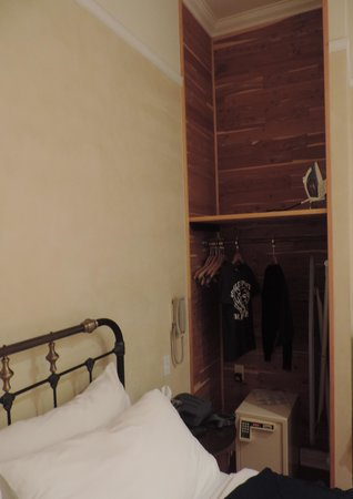 Life Hotel : armadio