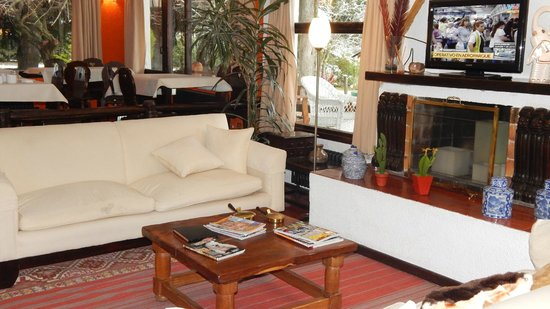 Hosteria del Prado: Acogedora sala de estar.....