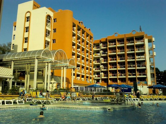 Ohtels Belvedere: pool side