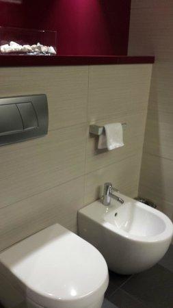 Pestana Arena Barcelona: Bathroom