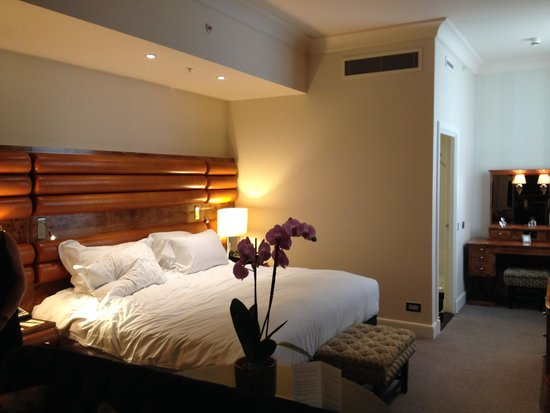 Sofitel London St James : King Size Bed