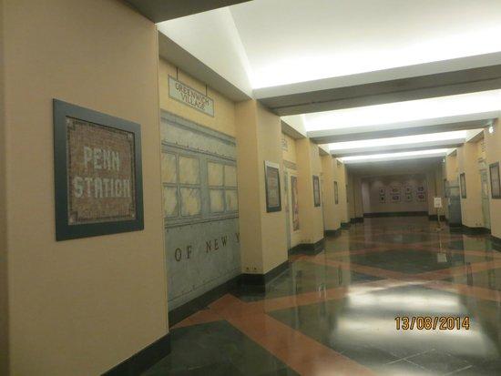 Disney's Hotel New York : subway style corridor