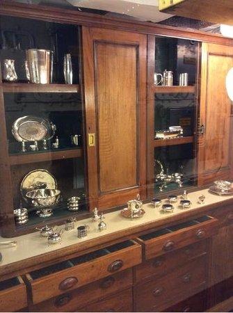 Royal Yacht Britannia: Silver Cabinets