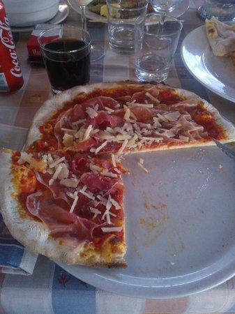 Ristorante Pizzeria Osteria Del Porto : Pizza jambon de parme parmesan