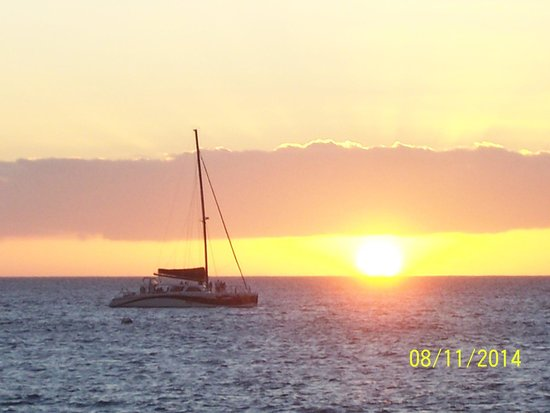 Kaanapali Beach Hotel: Great sunsets!
