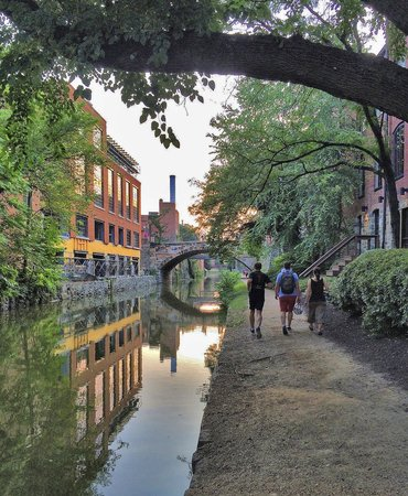Georgetown Suites : Scenic C&O Canal in Georgtown