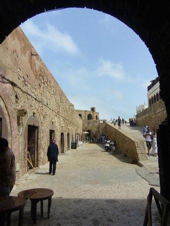 Murallas de Esauira: le bas des remparts