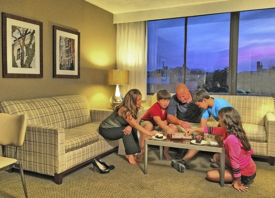 Georgetown Suites : Spacious one bedroom suites are perfect for families