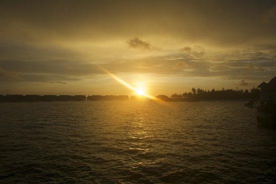 Jumeirah Vittaveli: Sunrise
