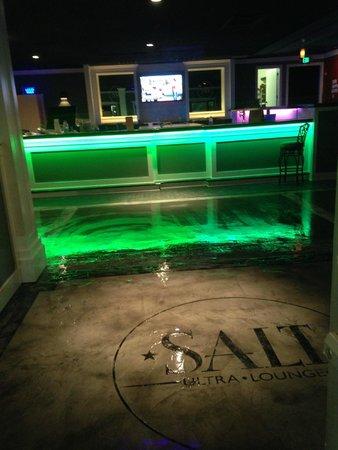Salt Bar: SALT Ultra Lounge