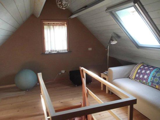 Het Midden van de Wereld : Sitting area in our room